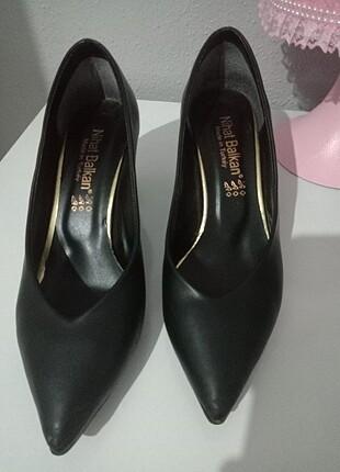 38 Beden siyah Renk Siyah kalın topuklu