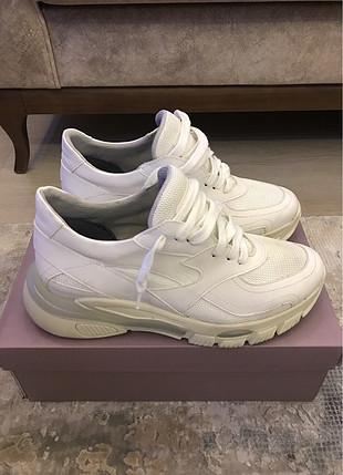 Derimod beyaz sneaker