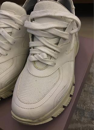 38 Beden Derimod beyaz sneaker