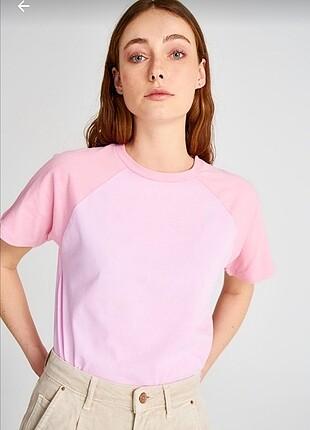 Pembe Tshirt