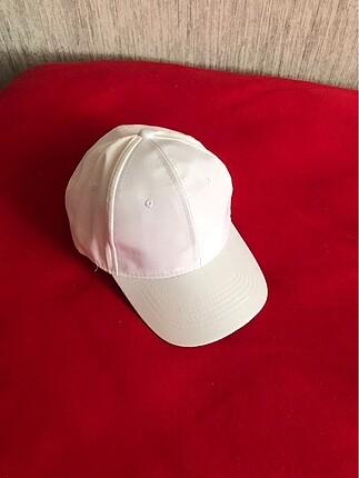 Zara Beyaz şapka