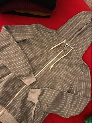 Bershka Çizgili kapşonlu sweatshirt