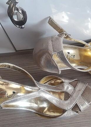 İnce topuklu lame şık bayan ayakkabı