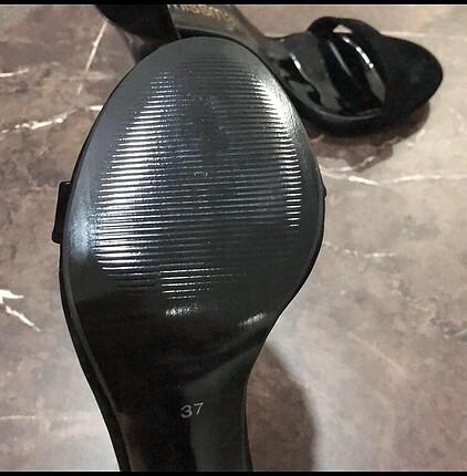 37 Beden Siyah topuklu abiye ayakkabı