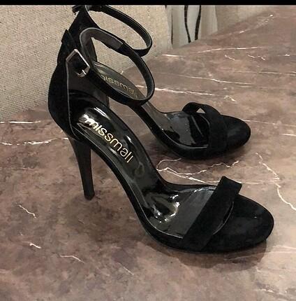 Diğer Siyah topuklu abiye ayakkabı