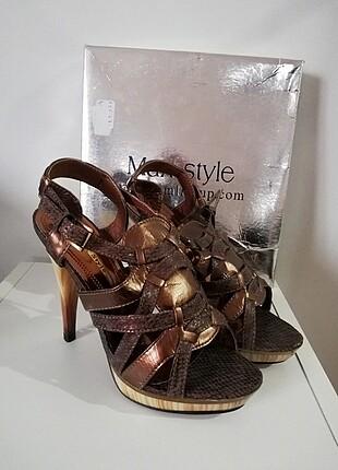 Max Style by Namlı Grup topuklu sandalet.