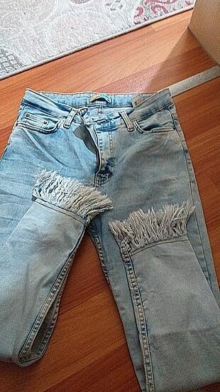 Dar paça püsküllü kot pantolon????