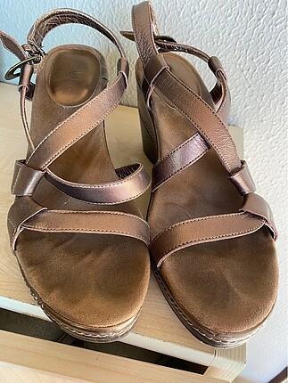 Aerosoles dolgu topuklu ayakkabı
