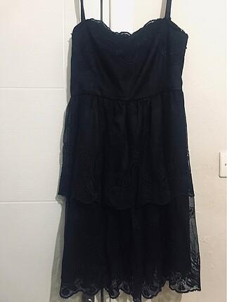 Siyah Askılı Dantelli Elbise