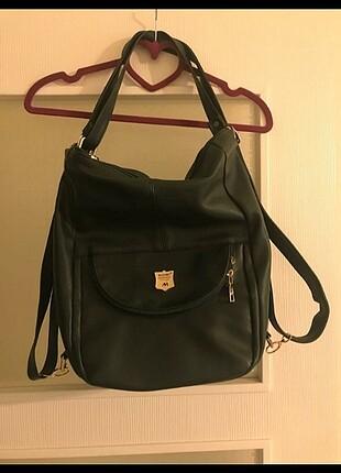 Koyu çam rengi sırt çantası