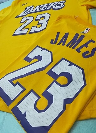 La Lakers Lebron James Nike T-shirt