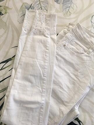 Beyaz kot jean dar paça 42 yazsada ben 40beden olarak kullandım