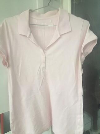 Yakalı H.M. Marka Sağlıkkı kumaştan tshirt