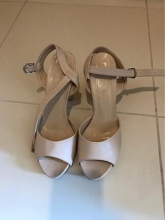 Topuklu ayakkabı 10 cm 1 kez giyildi