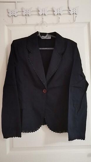Siyah 44 beden fistolu kısa ceket