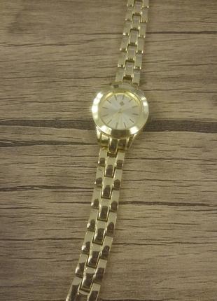 Çok şık gold kol saati***