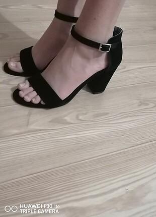 Bayan Kalın topuklu açık ayakkabı