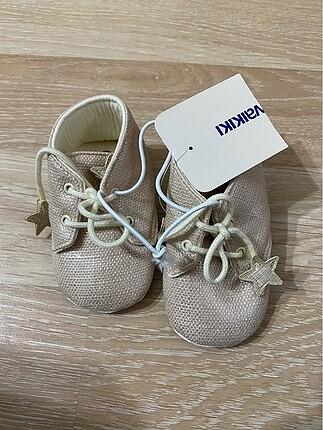 Kız bebek ayakkabısı
