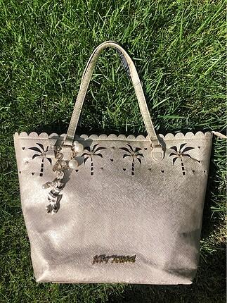Betsey Johnson çanta