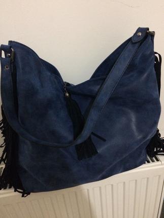 Püsküllü çanta