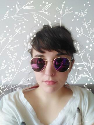 Mor retro gözlük