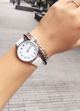 Arapça rakamlı beyaz saat