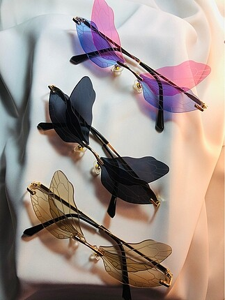 Urban Outfitters DRAGON FLY SET