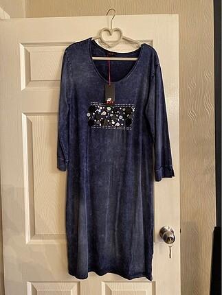 Koyu mavi günlük elbise
