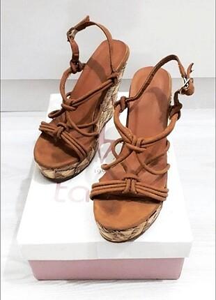 Dolgu Topuk Hasır Ayakkabı