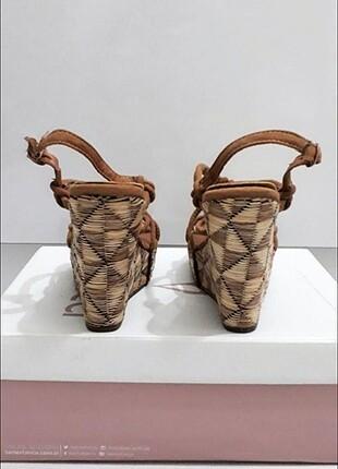 36 Beden Dolgu Topuk Hasır Ayakkabı