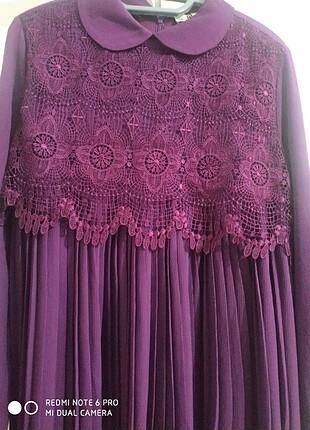 Pileli güpür detaylı elbise