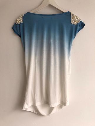 kol detaylı tshirt
