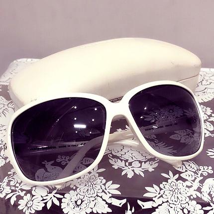 Dolce & Gabbana beyaz güneş gözlüğü