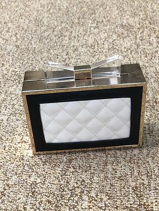 Siyah beyaz gold fiyonk kutu çanta