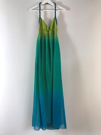 Boyundan bağlamalı uzun elbise