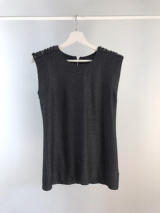 m Beden siyah Renk Omuzları taşli F21 bluz