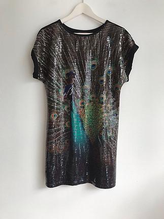 Pul işlemeli tshirt