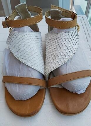 #Esila# sandalet
