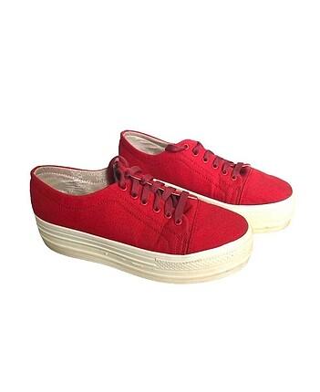 38 Beden Yüksek taban kırmızı ayakkabı