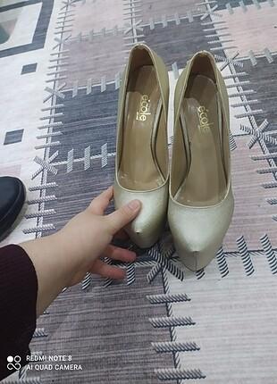 Topuklu ayakkabı az kullanılmış Gold renk