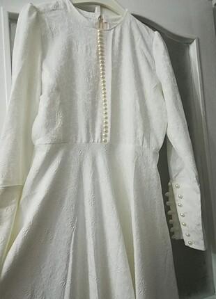Hem özel günlerde hemde nikah kıyafeti olarak çok şık bir elbise