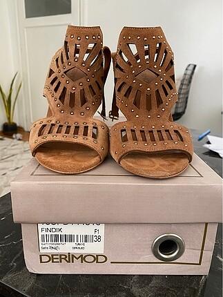 Derimod topuklu sandalet