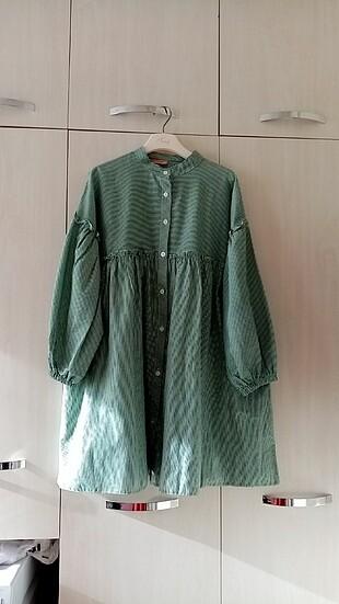 Yeşil pötikare gömlek