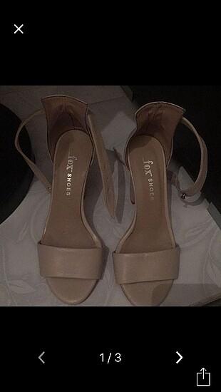 önü açık topuklu ayakkabı