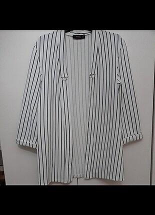 Siyah Beyaz Çizgili Ceket