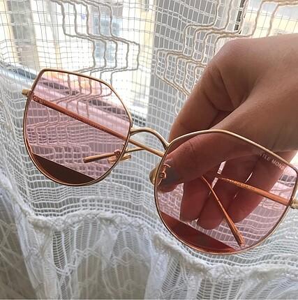 Gold cerceveli pembe bakırımsı şeffaf güneş gözlüğü