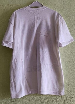 Beyaz baskılı tişört