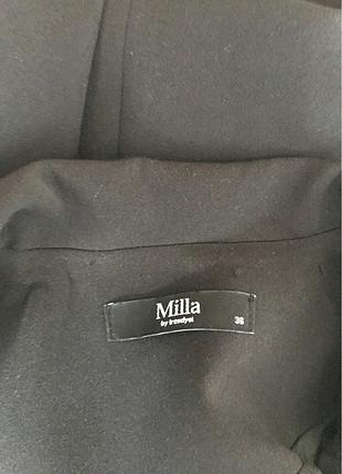 36 Beden siyah Renk Uzun ceket