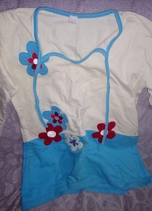 Mavi çiçekli pijama üstü