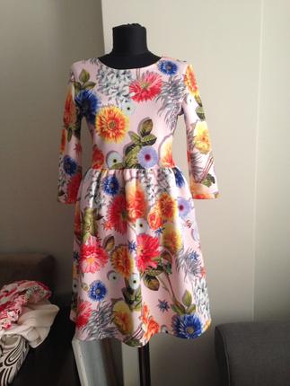 dijital baskı çiçekli elbise